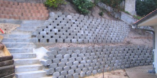 Soutènements en éléments béton préfabriqués végétalisables après travaux