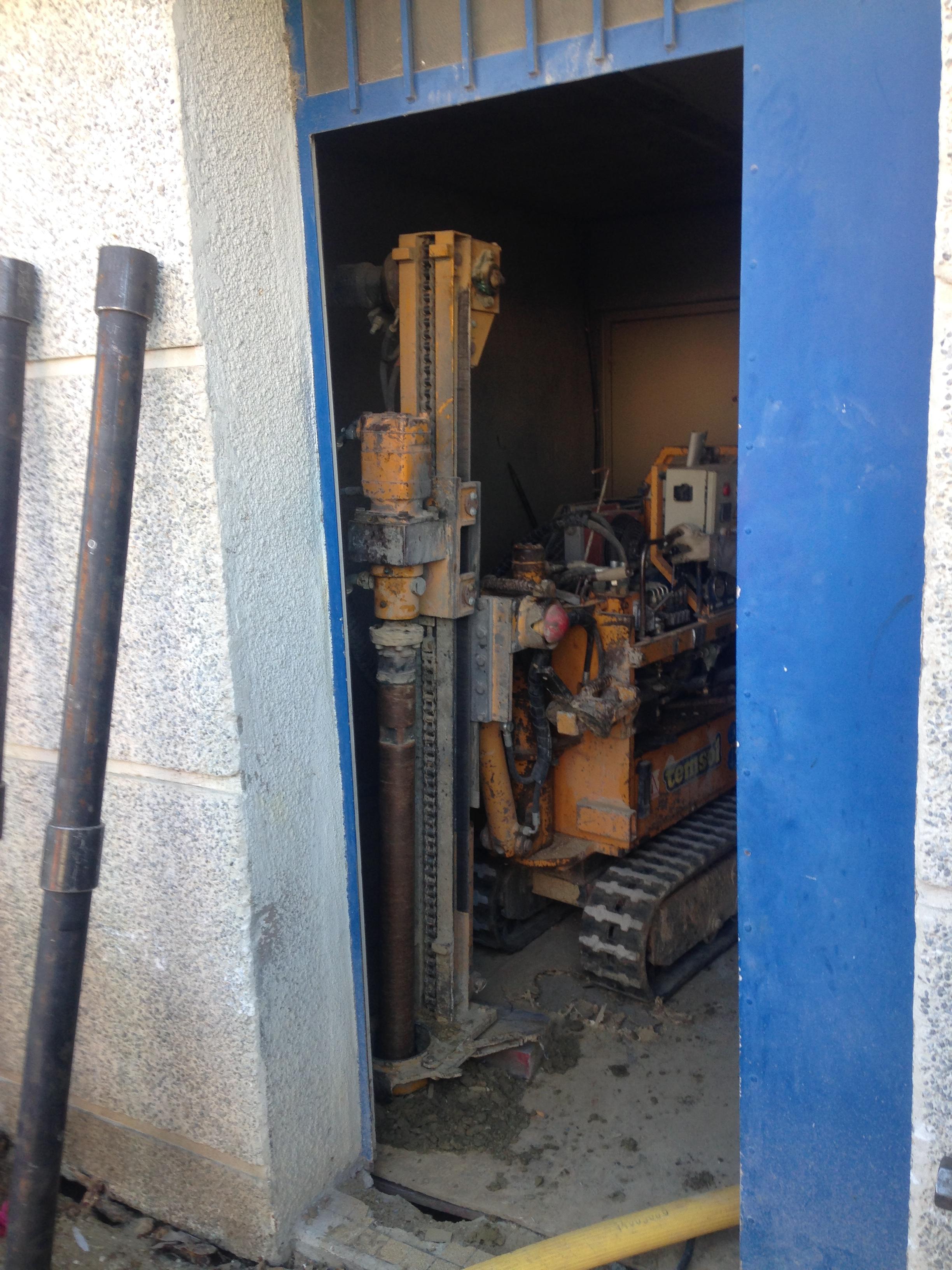 Forage en accès difficile cage d'ascenceur