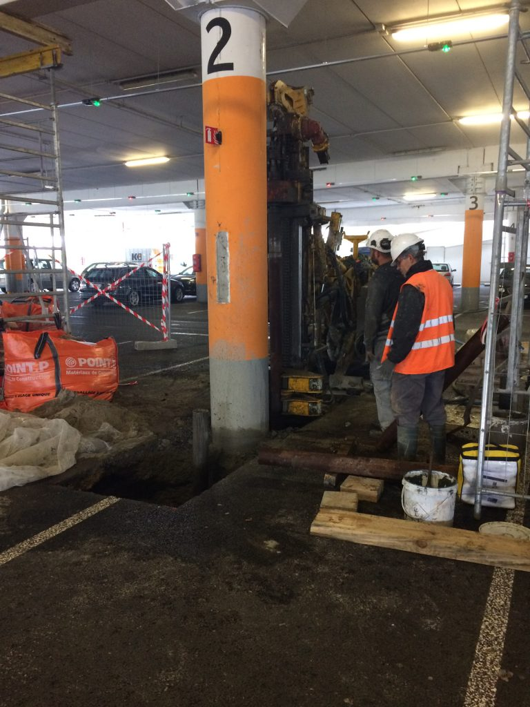 Renforcement poteaux parking auchan à Bordeaux